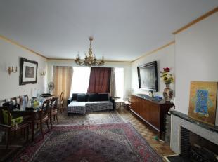 Quartier Charles-Quint - Appartement 1 chambre de +/- 70m² composé d'un hall d'entrée, d'un lumineux séjour de +/- 30m²