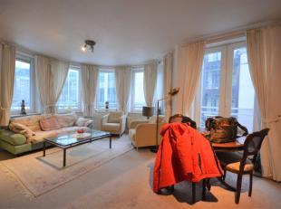 SOUS-OPTION - Centre ville - Quartier Rogier - Bel appartement 2 chambres de +/- 85m² - DDans un immeuble datant de 2001 - Au 1er étage d'