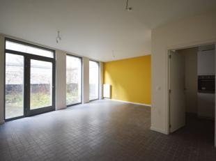 Place Du Jeu de Balle - Bel appartement 2 chambres de +/- 100m² - Au rez de chaussée de immeuble de 3 étages - Composé comme