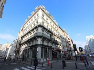 Au coeur du centre ville quartier Emile Jacqmain - Rez commercial +/- 80m² - Reserve au sous-sol de +/- 63m² avec Wc - Chaudière indi