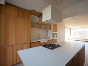 Quartier Heysel - Bel appartement 2 chambres de +/- 100m² - Au 3ème étage d'un immeuble de 4 étages - Composé d'un ha