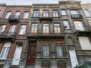 *** VENDU **** Immeuble de rapport (RU reçu sans confirmation du nombre de logement) +/- 290m² - L'immeuble est aménagé comm