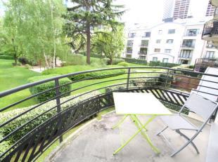 *** VENDU *** Saint-Josse Limite Bruxelles Centre : Magnifique appartement en parfait état de +/-80m² avec terrasse de +/-5m² (est) -