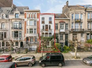 Quartier Eugène Demolder - Dans une belle avenue arborée. Superbre maison type Art Déco +/-285m². Lumineuse et avec beaucoup