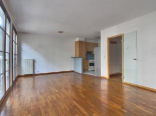 Au coeur de Saint-Gery - Superbe appartement deplex de +/-80m² composé comme suit: un hall d'entrée avec WC séparé, u