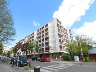 Quartier Gatti de Gamond - Magnifique apparetment de +/-100m² avec 11m² de balcons - Au 6ème étage/6: Hall d'entrée ouv