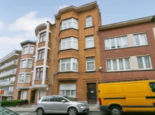 *** VENDU *** Quartier Av. Kesbeek -  Immeuble de rapport avec 4 unités de +/- 320m² - Sous-sol (+-90m²) - Cour arrière de 25m