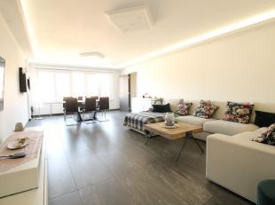 Meeuwenlaan / Appartement 2 chambres entièrement remis à neuf en 2017. Le bien se compose d'un hall d'entrée, un séjour de