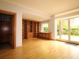 Quartier Montgomery - Av de Tervueren - Splendide maison de +/- 240m². Elle se compose d'un hall d'entrée, dun séjour de +/-40m&sup