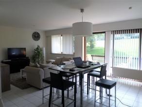 Parc des Saules : Très bel appartement moderne (année 90), 2 chambres, +/- 95m², avec terrasse, cave et GARAGE. 1er étage su