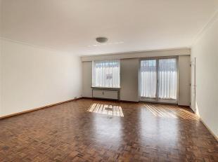 Wemmel : Avenue des Eburons : appartement 2 chambres, avec terrasses et cave. Composition : hall d'entrée avec vestiaire et porte blindé