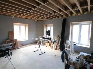 Idéalement situé au 2ème étage d'une petite copropriété (faibles charges), cet appartement 2 chambres, sera