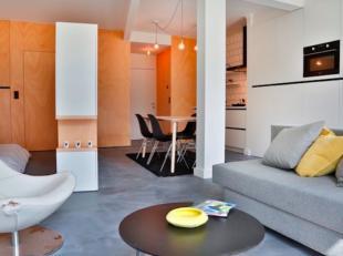 Bij het binnenkomen merk je het meteen; deze vernuftige door architecten ingerichte studio baadt in het licht, en met zijn Scandinavische stijl ademt