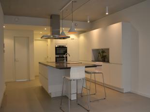 Dit uniek appartement is weggelegd voor jonge mensen met een urban city-levensstijl die met volle teugen willen genieten wat 't Eilandje en de stad he