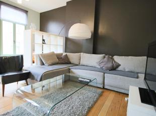 """Dit knap appartement ligt zoals ze zeggen """"pal op't Zuid"""". Om de hoek van de gedempte Zuiderdokken woon je vlakbij tal van leuke restaurants en bars."""