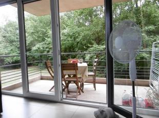 Situé à 2 pas du Shopping de Nivelles Sud, dans un écrin de verdure, CAP SUD Nivelles vous propose un appartement récent (