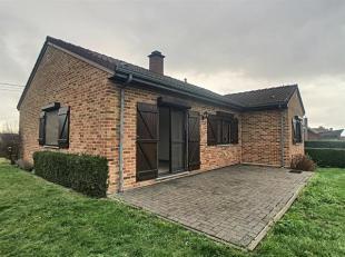 Agréable bungalow 3ch avec jardin et garage situé dans la centre du village de Clermont.Composition: hall d'entrée - 3 chambres -