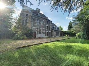 Situé à l'abri des regards, ce domaine s'ouvre à vous par une allée de platanes menant à une demeure de caract&egra