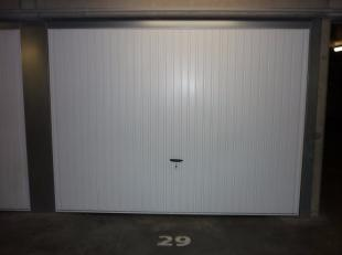 Betreffende een gesloten garagebox;<br /> Residentie Bonaparte - Van Maerlandtstraat, te Blankenberge. - Garage 29 - euro1176<br /> +/- 20m van de Gro