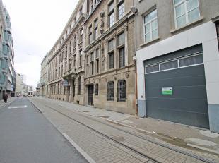 Verschillende ondergrondse staanplaatsen beschikbaar op zeer goede locatie te Antwerpen en op wandelafstand van het historisch centrum en de Universit