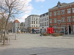 In een rustige straat nabij de Sint Paulusstraat en de Antwerpse Kaaien vinden we deze recente studio.<br /> De ideale uitvalsbasis richting de oude b