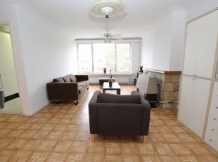 Op te frissen appartement met twee slaapkamers en lift nabij het Te Boelaerpark te Deurne!<br /> <br /> Dit appartement gelegen op de tweede verdiepin