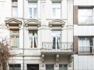 Gerenoveerde herenwoning  met charmante gevel en 6 slaapkamers in een mooie wijk te Borgerhout. <br /> <br /> Achter deze prachtige gevel houdt zich e
