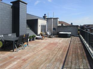Prachtig appartement met drie slaapkamers en een riant dakterras (93 m²) op de grens van Deurne-Zuid en Borsbeek!<br /> <br /> Dit dakappartement