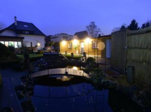 Residentieel gelegen B & B met 7 slaapkamers op een perceel van 11 are 31 ca. De ruime villa doet dienstig als B & B en beschikt over ruime ka