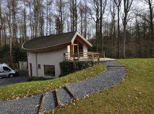 TE LAAT :o) VERKOCHT aan de tevredenheid van de partijen! Gelegen in een oase van rust, uitzonderlijke houten structuur villa in organische architectu
