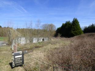 Maison à l'état de ruine offrant diverses possibilitées sur terrain d'environ 10 ares située à proximité du