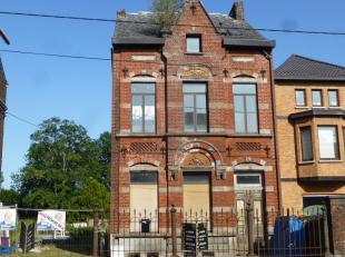 Maison 4 façades de caractère à rénover complètement avec la possibilité de l'agencer en 4 appartements (95