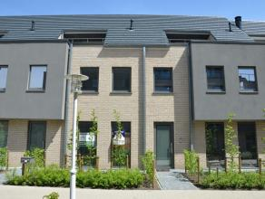 Instapklare ruime nieuwbouwwoning in het centrum van Vorselaar met tuin en zonneterras.<br /> Deze woning bestaat uit inkomhal met gastentoilet, leefr