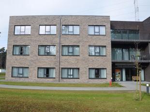 Assistentiewoning gelegen te Residentie 'Waterrijk'. Bestaande uit 80 rusthuiskamers en 28 assistentiewoningen met een zeer kwalitatieve en innovatiev