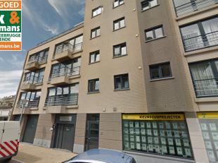 DUBBELE autostaanplaats in gesloten residentie in de Brusselstraat (achterzijde van Zeedijk).<br /> Meer info op kantoor.