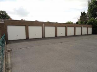 Ruime gesloten garagebox gelegen in P. Benoitlaan 59 te Sint-Andries.