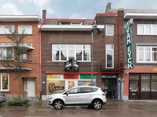 Ligging<br /> Deze duplex ligt op wandelafstand van de Markt in Maaseik op de Koning Albertlaan 21A.<br /> Algemeen<br /> Centrale verwarming op aardg