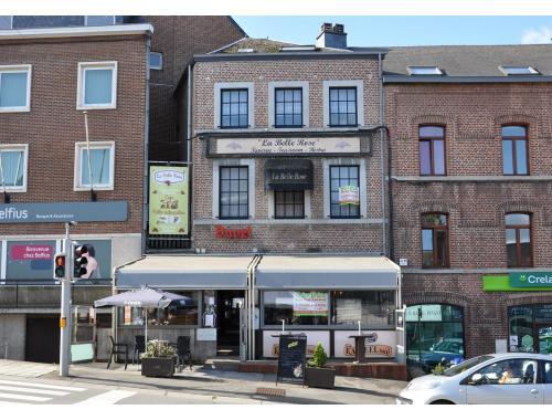 Bâtiment commercial à vendre à Beauraing, € 268.000