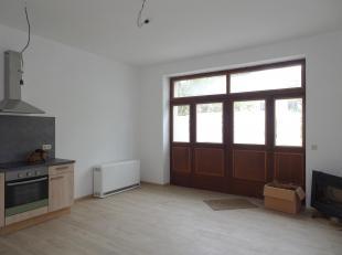 Charmant appartement sis au centre de Beauraing.<br /> Celui-ci vient d'être entièrement rénové et bén&eac