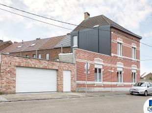 Réf. n°1364 - Située à l'angle de deux rues, dans un quartier calme, à proximité de la gare, des grands axes et