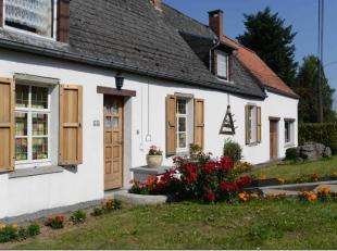 Idéalement situé à l'entrée du village de Silly, cette charmante maison à moderniser est idéale pour une fam