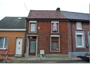 A 200m de la place de Petit-Enghien, agréable maison comprenant hall d'entrée, wc séparé, belle espace séjour ouver