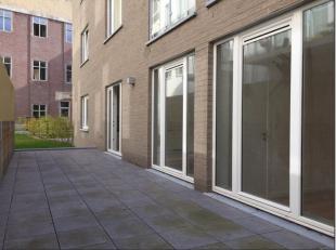 Dans un tout nouvel immeuble de standing, appartement rez de chaussée, en plein coeur du quartier européen, comprenant, living avec cuis