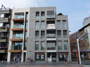 Dit schitterende pand is gelegen in residentie COLLEGIUM en ligt op enkele stappen van de Grote Markt. Het pand beschikt over een ruime inkomhal met v