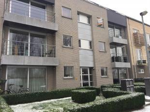 Het appartement omvat volgende ruimtes: Inkom, apart toilet, keuken met oven, kookplaat, dampkap, frigo, berging, ruime woonkamer, nachthal, 2 slaapka