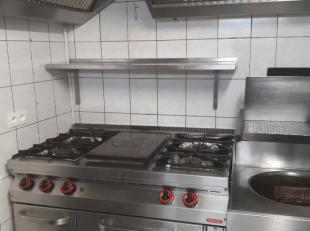 Restaurant en pleine activité pouvant accueillir +- 50 couverts comprenant également une cuisine entièrement équipé