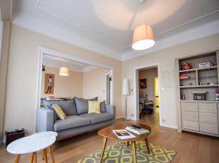 Superbe appartement situé au curde la ville.L'habitation est située au 4ème étage d'une résidence avec ascenseur et