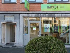 In het centrum van Mortsel, gelegen in de belangrijkste winkelstraat, de STATIELEI Polyvalent handelspand, kantoorruimte, winkelruimte gelegen in de b