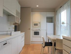 RESIDENTIE PRINSENHOF : PENTHOUSE VAN CA 160M² 2 SLPK | 1 BADK | RUIME TERASSEN Ingedeeld als volgt: Dit appartement van ca 160 m² is gelege