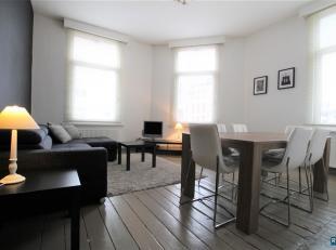 FURNISHED 1 BEDROOM APARTEMENT: ALL-IN Tijdloos gerenoveerd en lumineus appartement met 1slaapkamer en schitterende woon,-leefruimte! Toegang tot het